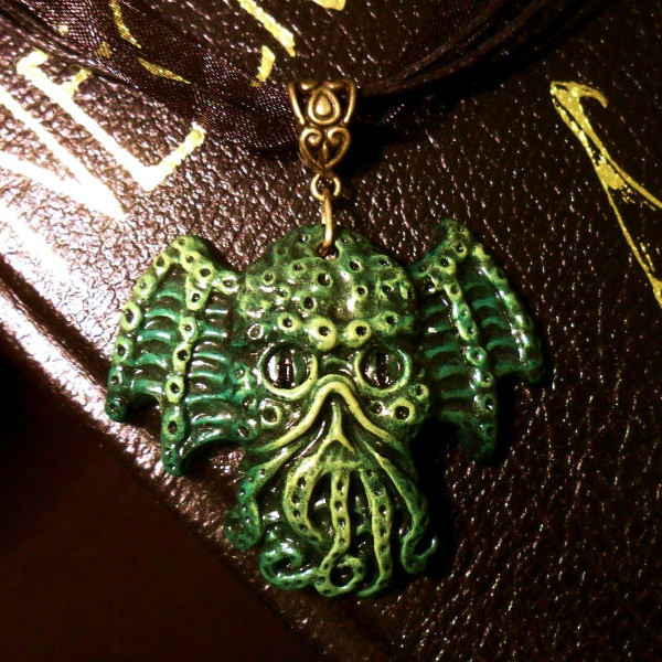 Cthulhu Head Necklace (green)