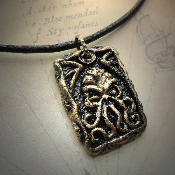 Cthulhu Tablet Necklace (brass)