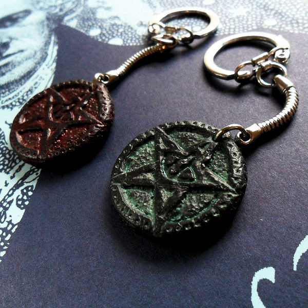 Elder Sign Keyrings