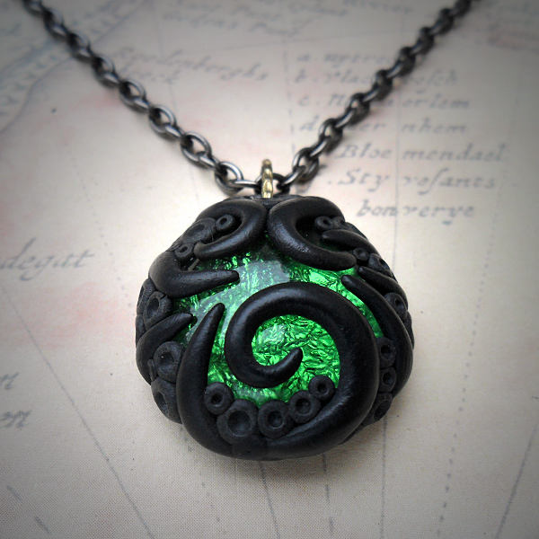 Tentacled Emerald Glass Necklace