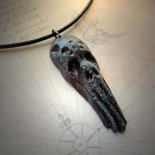 Grim Cthulhu Necklace (green)
