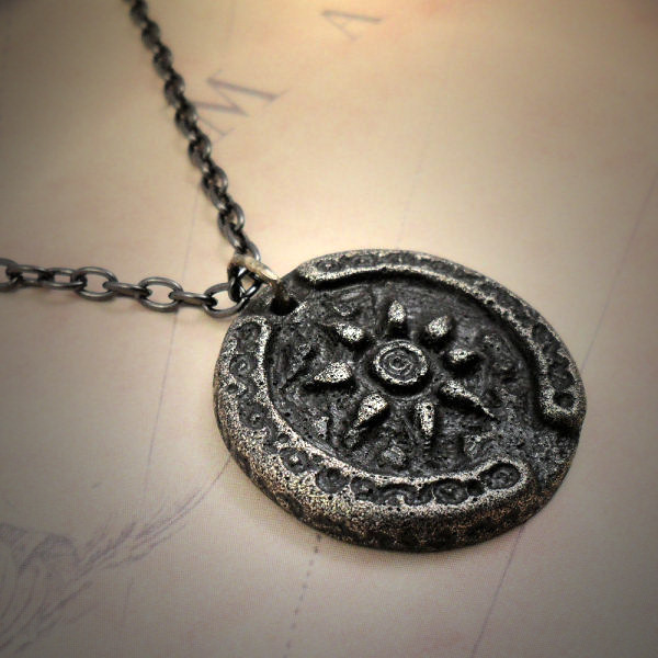 Hollow Earth Necklace (antique…