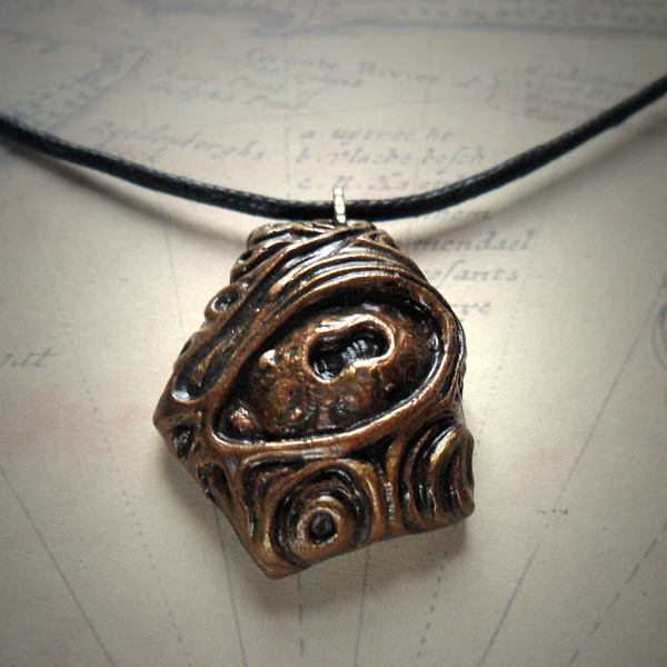 Nyarlathotep Necklace (Bronze)