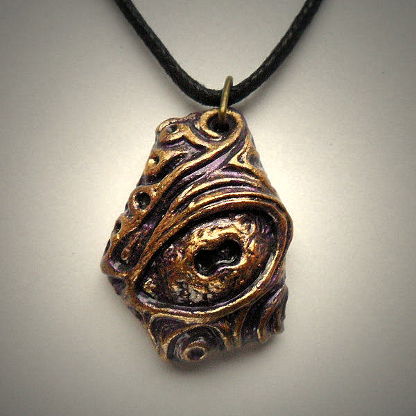 Nyarlathotep Necklace (Purple…