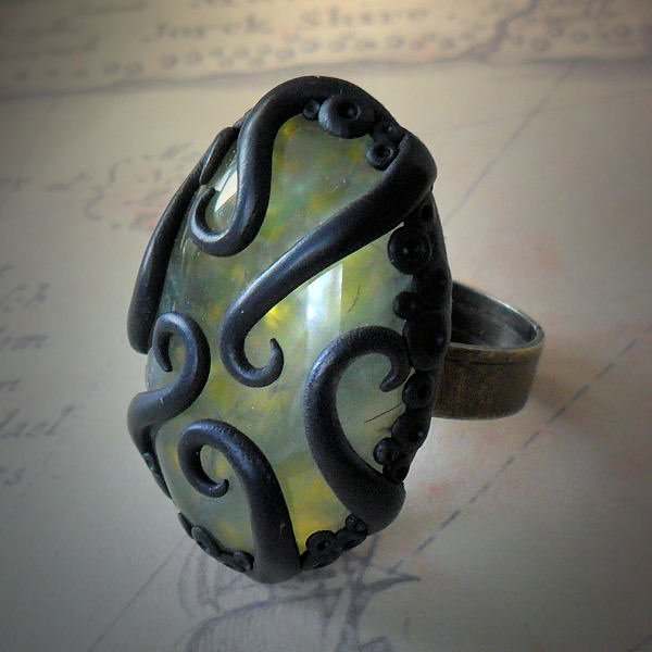 Tentacled Green Prehnite Ring