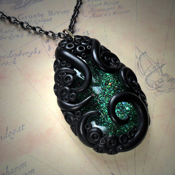 Tentacled Sparkling Green Glass Necklace