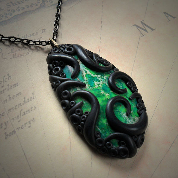 Tentacled Green Agate Necklace