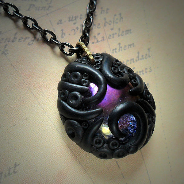 Tentacled Iridescent Glass Necklace (purple)