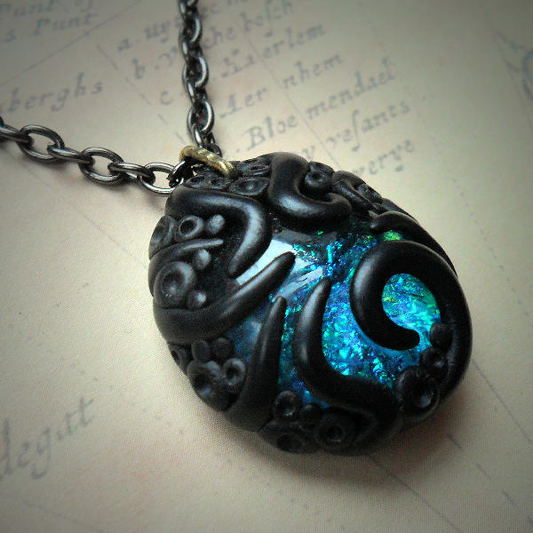 Tentacled Iridescent Glass Necklace (blue)